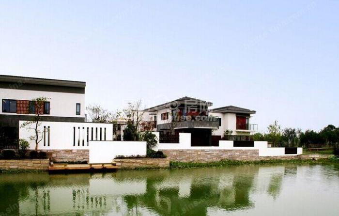 湿地公园里的别墅 人在景中走 如在画中游