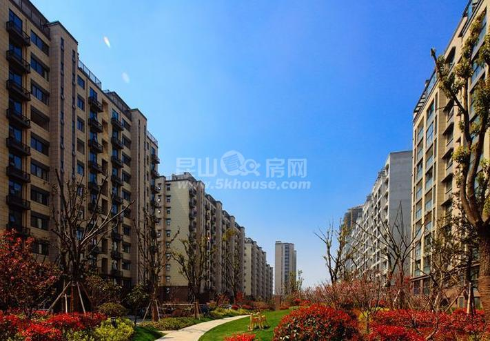 张浦30万消费人口,2楼2500方,3楼2000方,每方1.6元