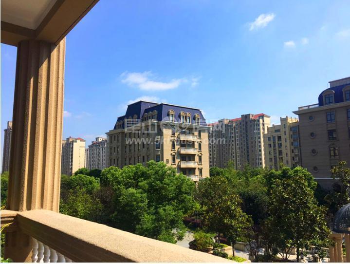 城西,阳澄湖地铁旁,毛坯,小三房,景观层,满五      ,免税,车位