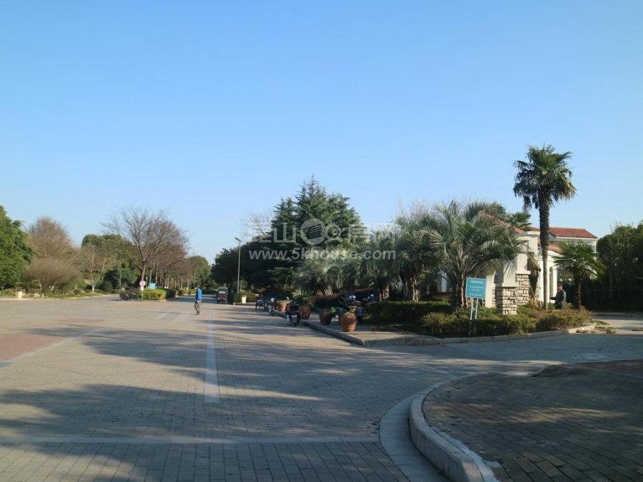 绿地21城a区 高尚、宁静、独具特色 自然资源 完美和谐