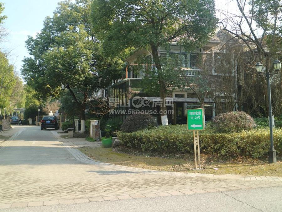 绿地21城b区 350万 4室2厅3卫 毛坯 隆重出售,快快抢购