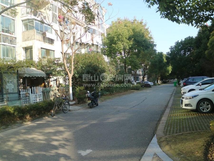 花桥绿地21城c区四房25平室内花园,利用空间高,价格低满5年