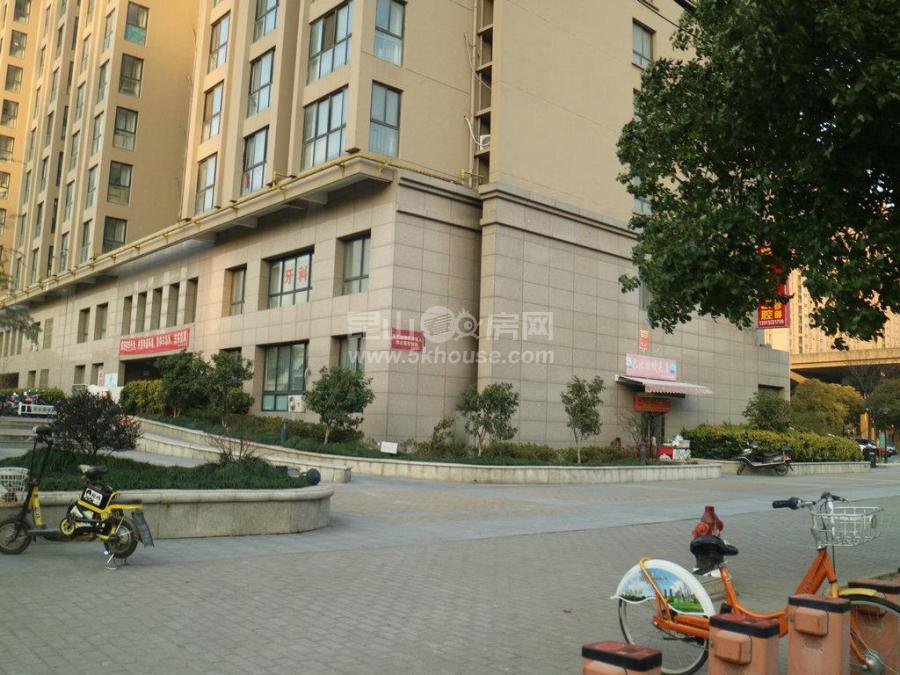 宏图国际公寓 11号线兆丰路地铁口 70年产权可落户装修