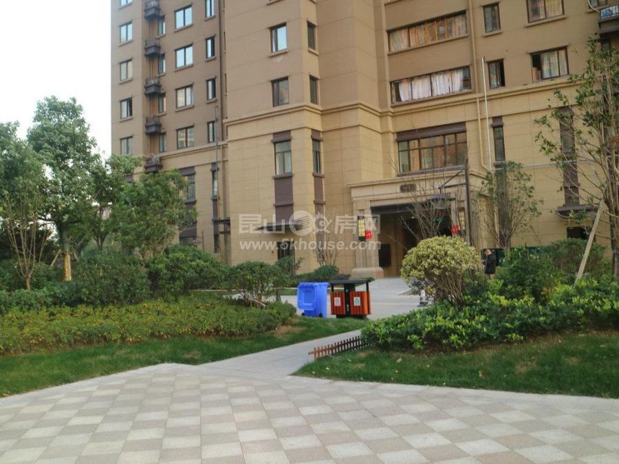 超好的地段,升值潜力大,世纪城四季花园 150万 3室2厅1卫 精装修