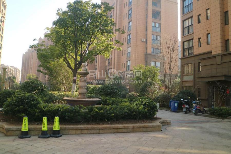 韵湖国际 精装三房 学校就在对面 配套齐全 10分鈡到地铁站