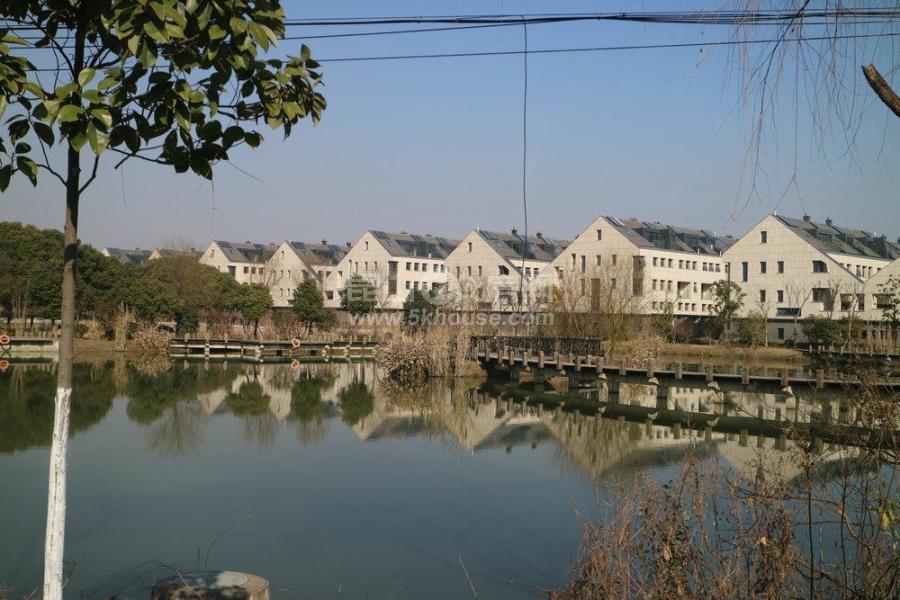 淀山湖 碧桂园十里芳华 精装叠加别墅 临近青浦17号线地铁线