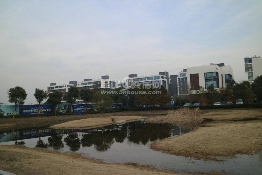 淀山湖区域在售精装新房 地铁口