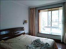 好房出租,居住舒适,世纪华庭 2800元/月 3室2厅2卫,3室2厅2卫 精装修