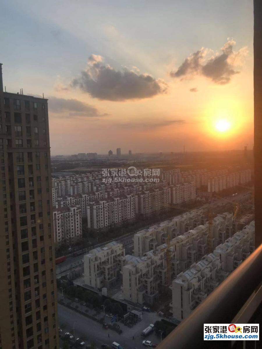 加车位,超性价比房东急卖,吾悦华府高层130平只要213万