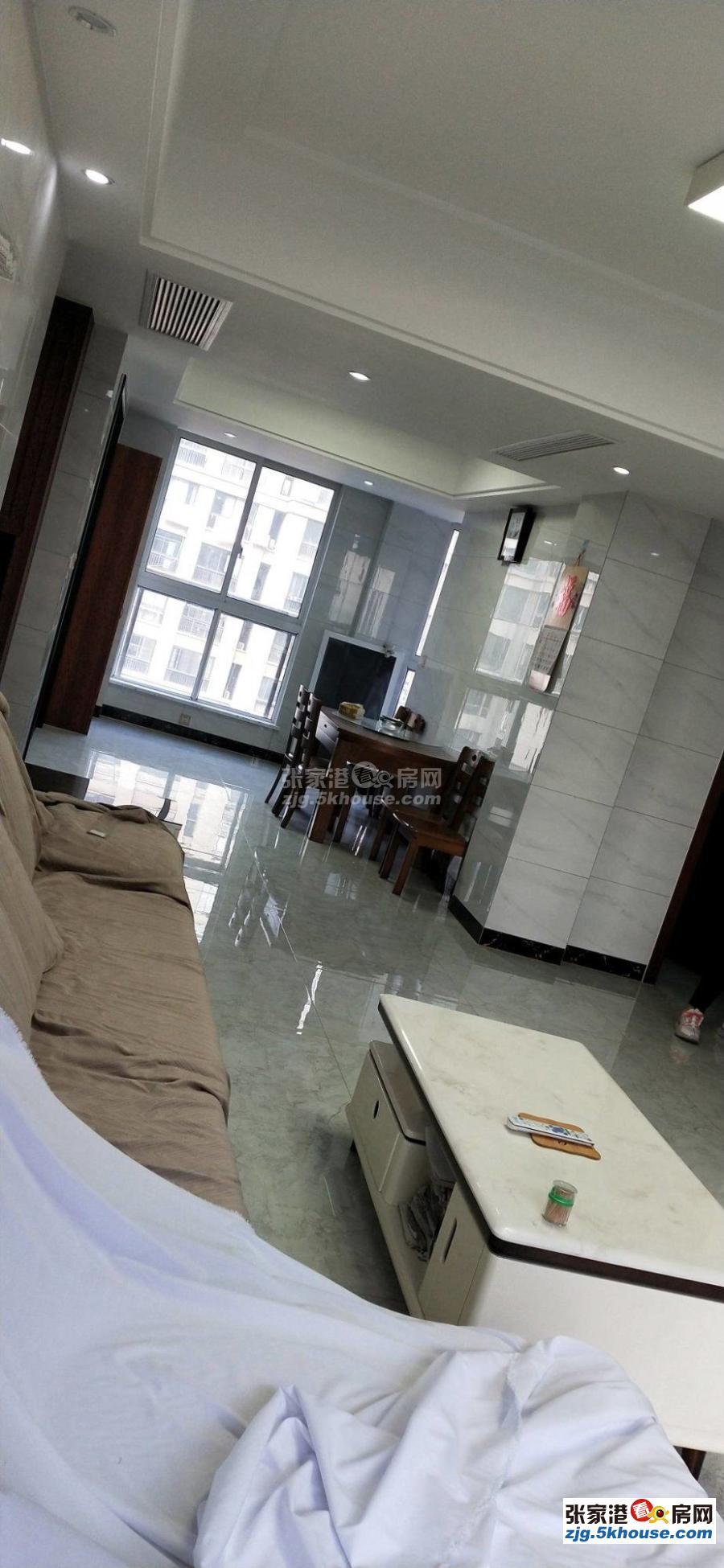 旺西花苑  三室两厅 精装修,家电器齐 拎包入住全随时看房,