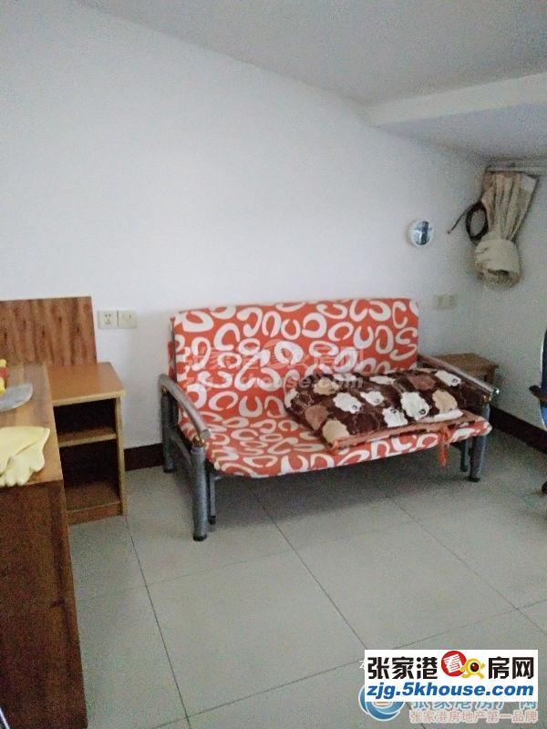 小河坝新村 6楼1.3万/年 两室一厅一卫 简装修 家电齐全 拎包入住
