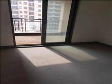 汇金中心  10楼 107平 三室  230万含车位储藏室  看房有钥匙