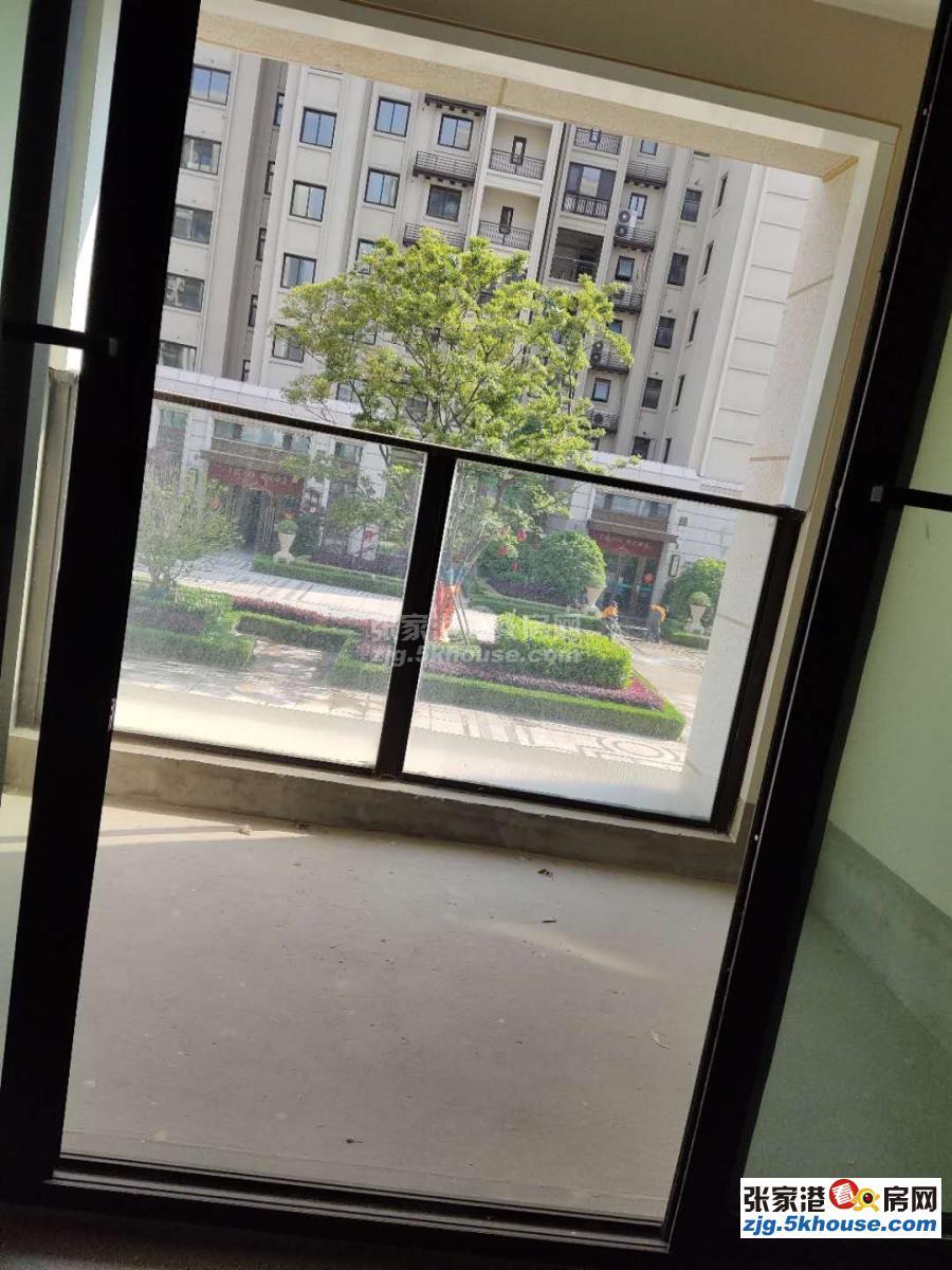翡翠公馆稀缺层3楼130平急售155万房东用钱急降13万有钥匙