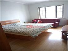 城南 湖滨国际6楼2室2厅124平精装年租金38000