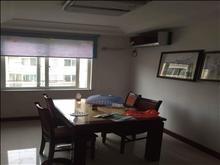 悦华苑6楼多层顶复带80平阁楼精装修3室,年租2.5万