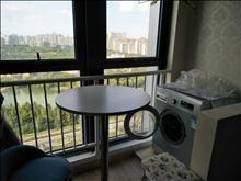 吾悦广场公寓出租,17楼湖景,42.5平,精装,家电齐全,2.4万一年
