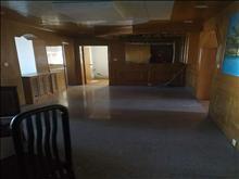 胜利新村 4楼 138平 3室2厅 老装修   2.8万一年