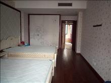 吉房出租,看房方便,金城花园 3333元 3室2厅2卫 精