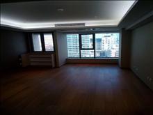 曼巴特 精装公寓 设备齐全 楼层好 视野广 3000/月