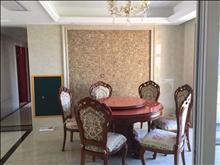君临新城 6666元/月 3室2厅2卫 豪华装修 带中央空调和车位