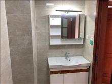 世茂九溪墅 19楼 110平方 精致装修 三室一厅 36000元/年