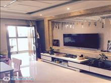 阳光水岸6楼82平方+自+车位 精致装修二室一厅210万元