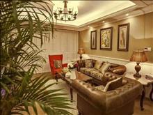 君临新城 388万 3室2厅2卫 豪华装修 低价出售。