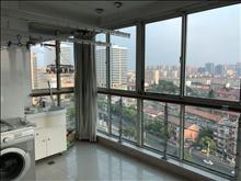 市中心王府名邸4室2厅2卫 精装修全套高档家私电,设施完善