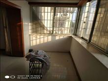 新塍小区 中套 3室2厅1卫 精装修 ,干净整洁,随时入住,13800一年