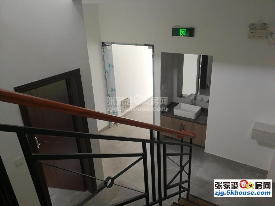 范庄花苑精装三层门面房整套出租,价格可议,随时看房