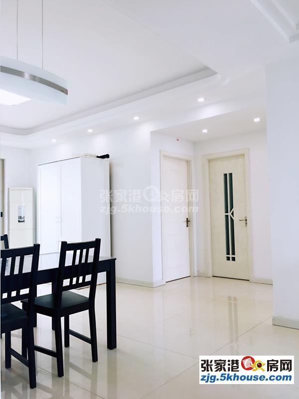港城一品20楼 128万 2室2厅1卫 精装修 有钥匙 业主急售