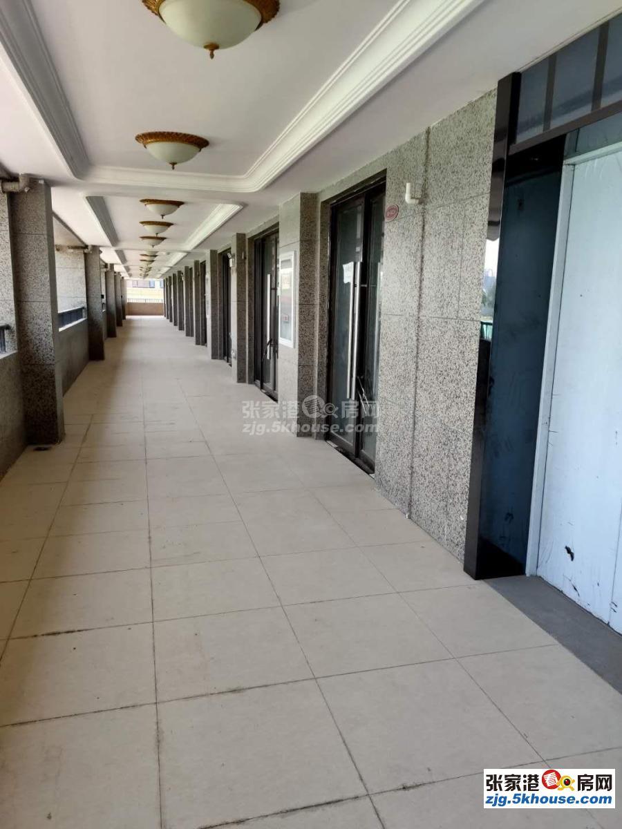 商铺整层半边,870平 可办公,可餐饮 可娱乐 实际面积大,价格可谈,无税