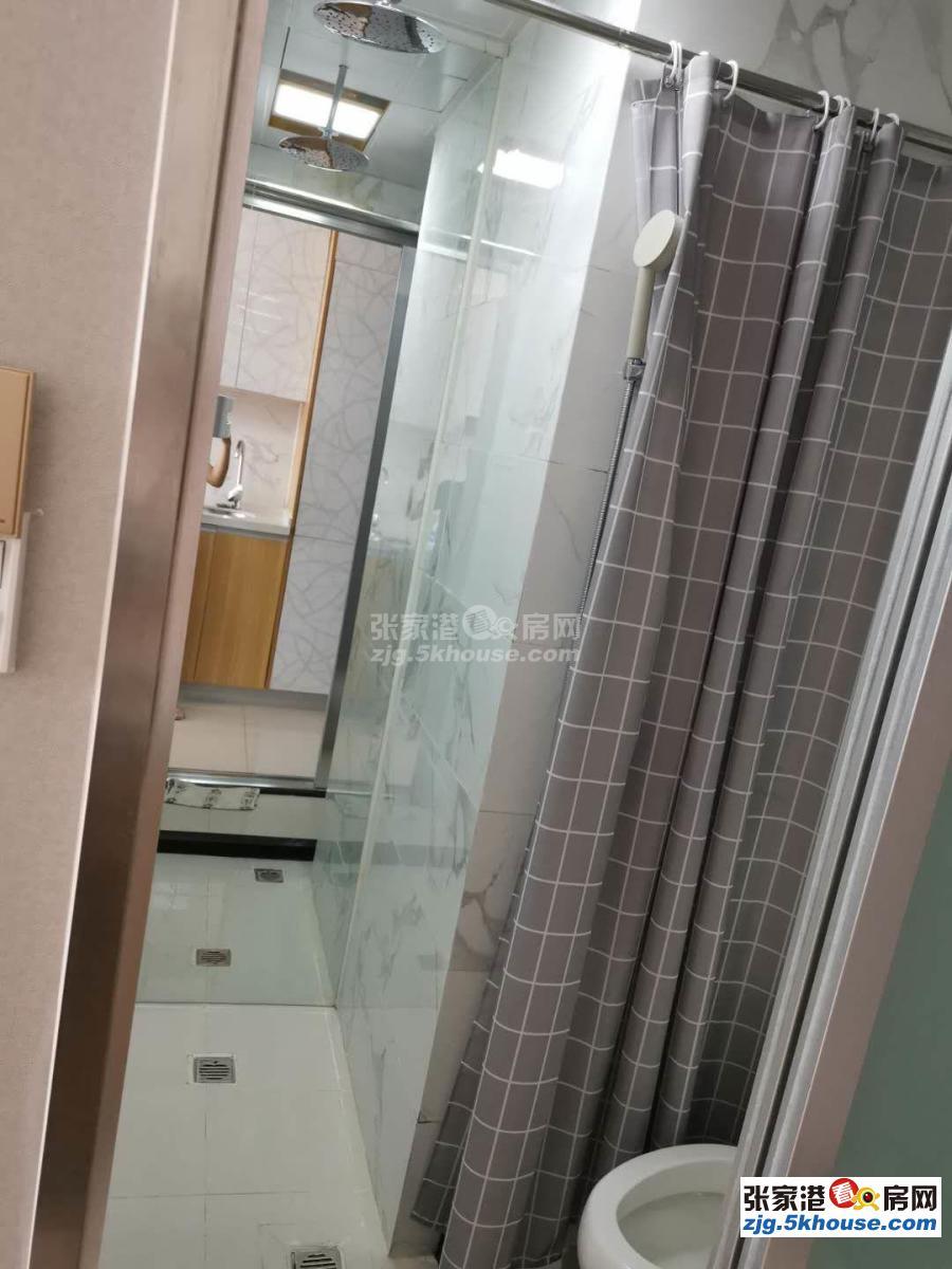 万达广场 1850元/月 1室1厅1卫 精装修 ,家电家具齐全随时能看