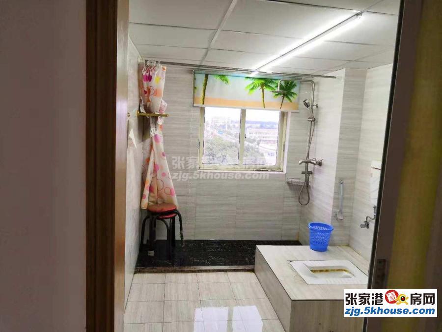 新丰苑6楼五个房间精装拧包入住