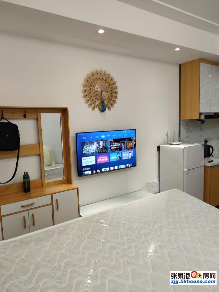 万达广场公寓  长短租 民宿 一室一厅 精装修 ,家电齐全拎包入住。