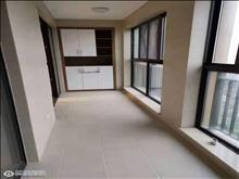 僅此一套,吾悅華府 28樓 128平+車位 精致裝修未住人 三室二廳 225萬錯過再無