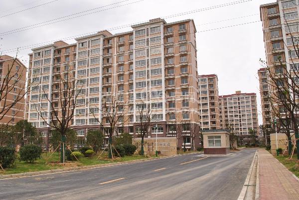 七里庙 9楼 138平方+自 新空房 118万