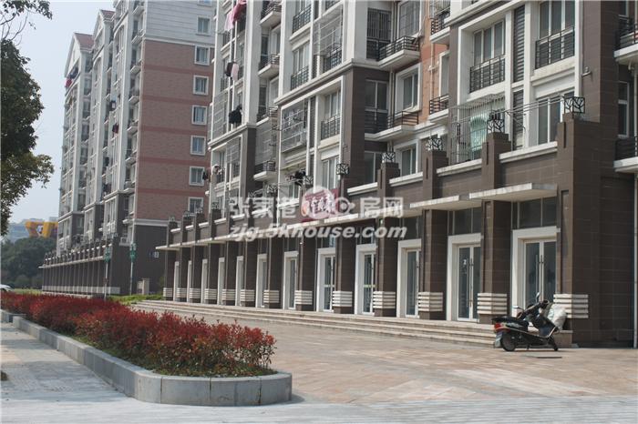 急售 中港花苑11楼 139+自+产权车位 精装 拎包入住 302万