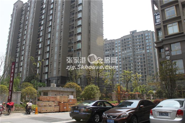中联君悦1-2楼复式250平+双车位 新空房350万 院子有