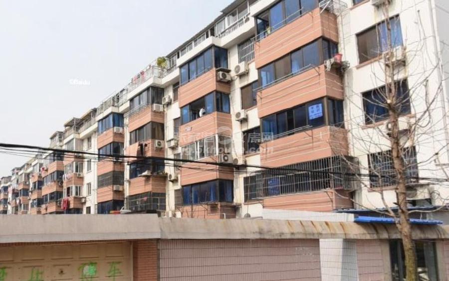 云盘一村5楼79平 149.8万 3室1厅1卫 简单装修 ,性价比超高