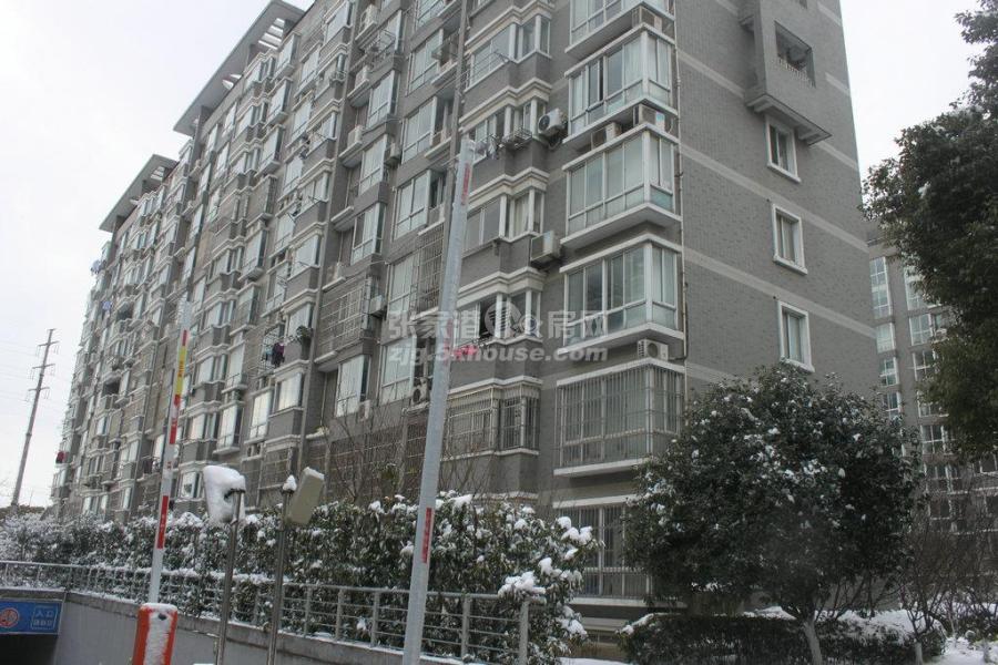 百桥花园电梯房三楼 138平+超大自22平 三室商品房215万