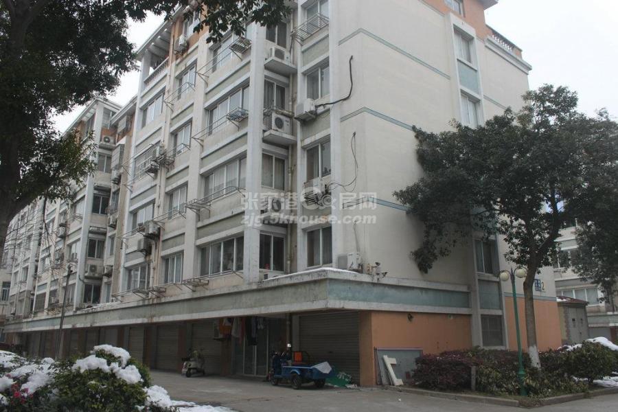 阳光家园南区 56万 2室1厅1卫 毛坯 超好的地段,住家舒适