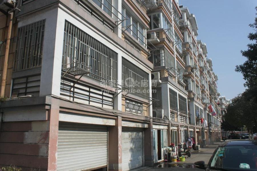 实验南校区,南苑新村 顶复 103平+阁楼 中等装修 满两年 报价138万